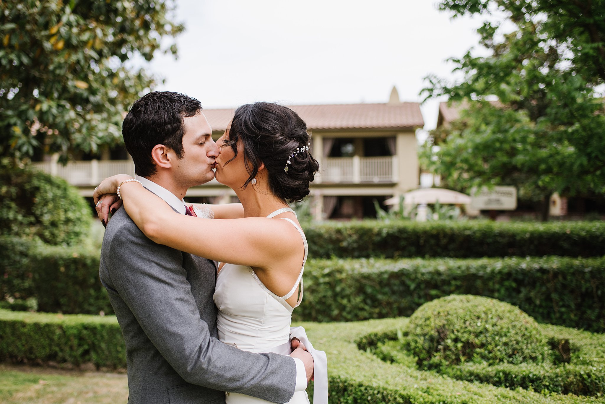 Paso Robles Inn Spring Wedding in a Courtyard, California